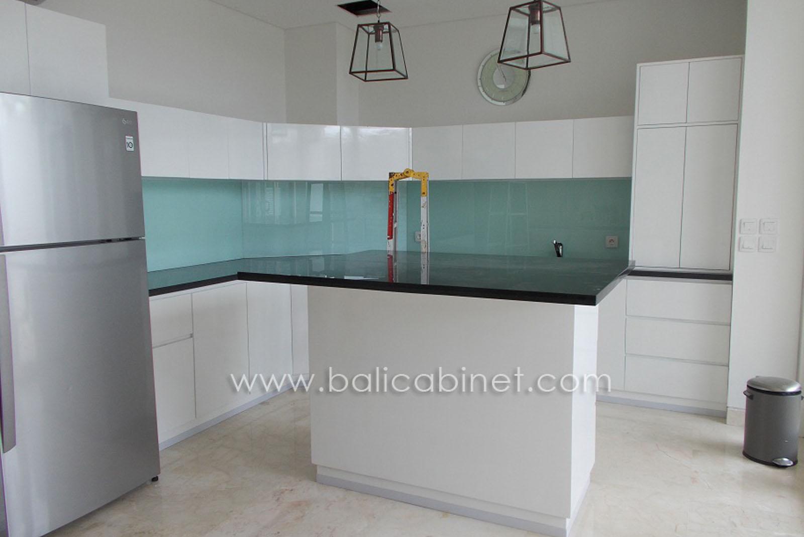 Kitchen Set Aqua Villa 3