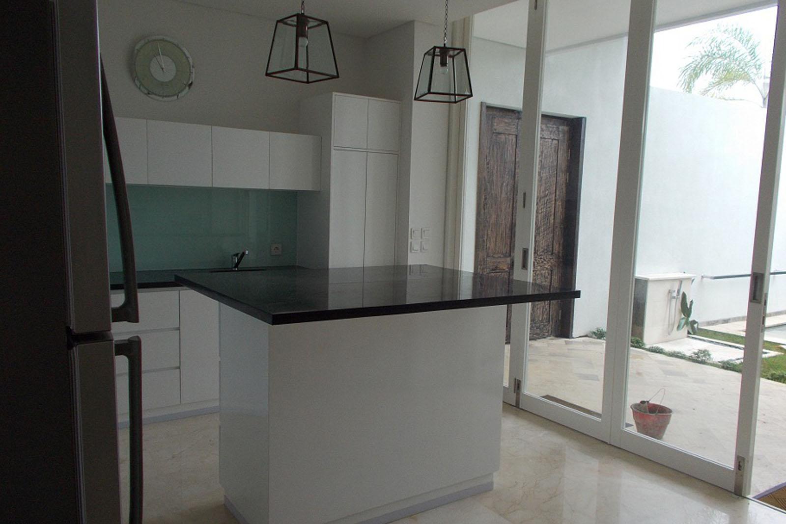 Kitchen Set Aqua Villa 5